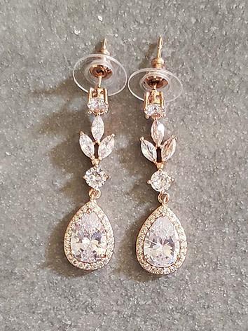 Teardrop-cubic-zirconia-earrings-in-rose-gold-colour
